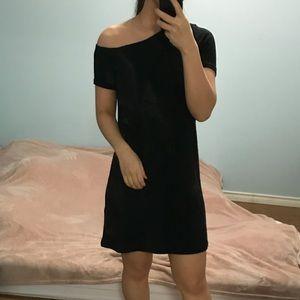 2/$50 Wilfred Free Slanted Off Shoulder Dress
